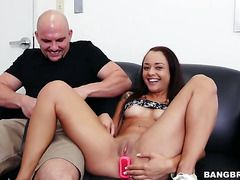 Brunette Holly Hendrix With Bubbly Booty And Clean Beaver Feels The Best Feeling Ever With Dudes Sticky Man Cream All Over Her Face