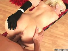Hot Blooded Chick Elizabeth Tyler Cant Resist Guys Rock Solid Sausage