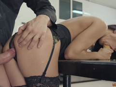 Nacho Vidal's Cock Won't Be Left Without Attention Of Alexa Tomas