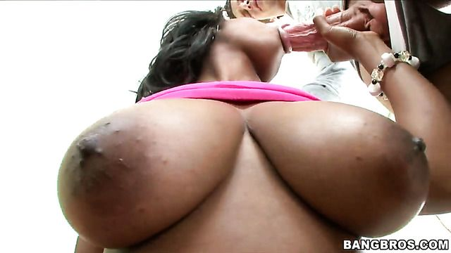 Alia Starr Squeezes The Juice Out Of Man Meat With Her Skilled Hands