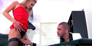 Gaping Squirting Blonde Getting Assfucked