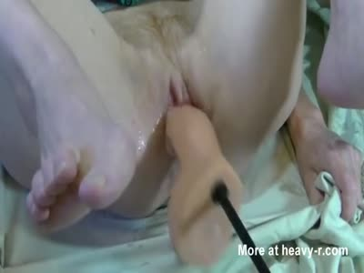 Creamy Pussy Fucked By Dildo Machine