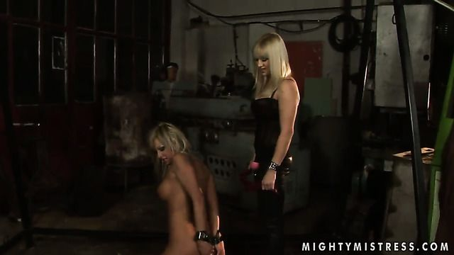 Blonde Adriana Russo With Big Knockers Offers Her Love Tunnel To Lesbian Lee Lexxus