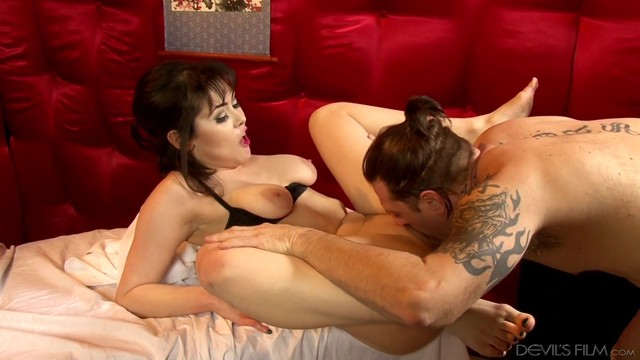 Brunette Gets A Nice Interracial Cunt Fuck In Hardcore Sex Action With Horny Dude