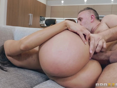 Girl Brags About Hubby's Cock And Lela Star Can't Wait To Enjoy It