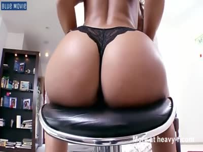 Brunette Shows Big Booty And Tits