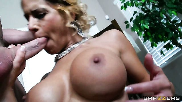 Alyssa Lynn Cant Wait To Be Fucked In Her Mouth By Hard Dicked Johnny Sins