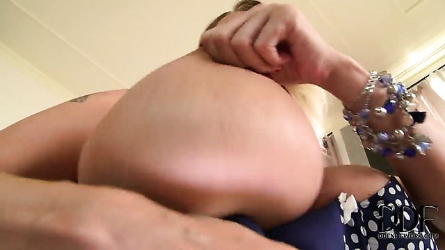 Laura Orsolya Aka Laura M Fills The Hole Between Her Legs With Vibrator