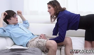 "Attractive MILF Is Facialized In The Back-yard"">Attractive MILF Is Facialized In The Back-yardPornCentro1.3k Views22 Min<source Srcset=""https://mediav.porn.com/sc/5/5383/5383047/promo/crop/368/promo_4.jpg"" Type=""image/jpeg"