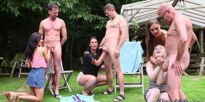 Cfnm Brit Blows Outdoors