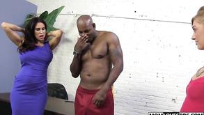 Threesome Interracial Sex