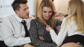 Euro Babes Share Rod In Threesome Los Consoladores