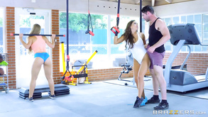 Fitness Beauties Nicole Aniston Abigail Mac Have Perfect Work Out