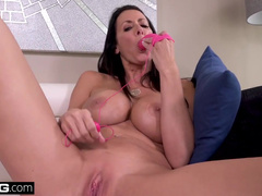 Agent Spends Day With Hot MILF Reagan Foxx Who Adores Sex